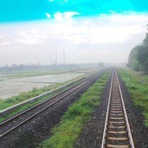 Jalur Ganda KA JKT-SBY: Waktu Tempuh Hemat 2 Jam, Subsidi BBM Ditekan