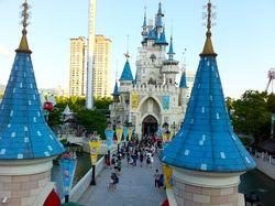 Mengenal Taman Rekreasi Indoor Terbesar di Asia