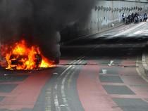 Mobil Sedan Terbakar di Underpass Kebayoran Lama