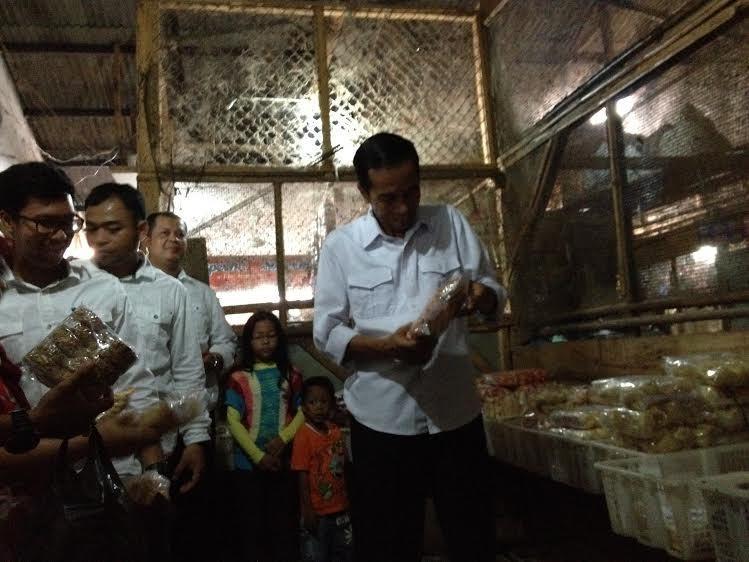 Bertemu Sahabat Jokowi di Subang, Jokowi Disambut Singa Barong