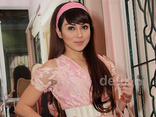 Pretty in Pink, Terry Putri