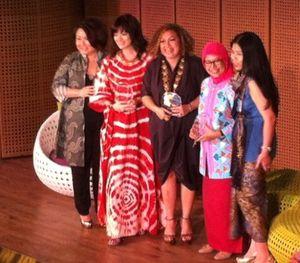 3 Wanita Inspiratif yang Sukses Angkat Kain Indonesia Jadi Bertaraf Internasional