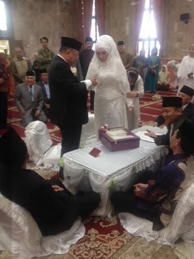 Kisah Pertemuan KH Maruf Amin dan Istrinya