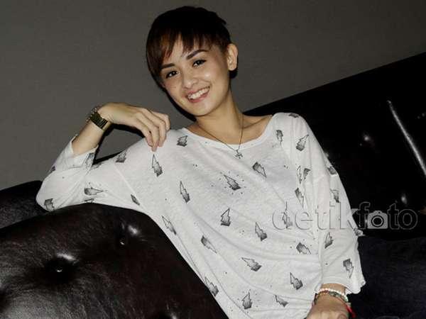 Superpendek, Gaya Rambut Baru Joanna Alexandra