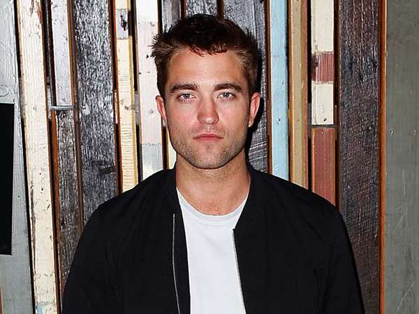 Robert Pattinson Cool di Sesi Foto The Rover