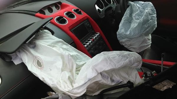 Airbag Lamborghini B 999 FIN Terbuka, Edy Hanya Alami Luka Memar di Tangan
