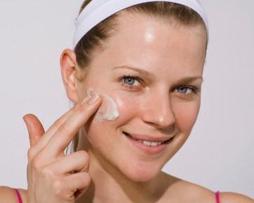 5 Penyebab Terjadinya Flek Hitam Pada Kulit Wajah