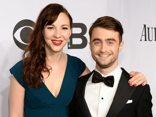 Daniel Radcliffe Gandeng Pacar di Tony Awards 2014