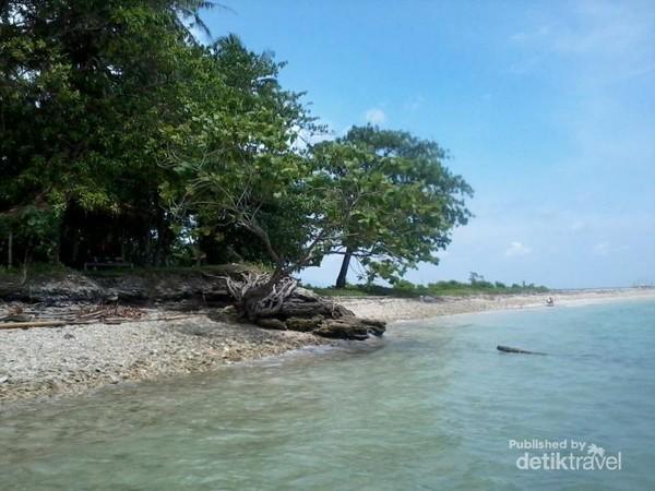 Salah satu sisi Pulau Liwungan