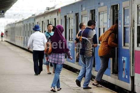 Perjalanan Commuter Line Pagi Ini Kembali Normal
