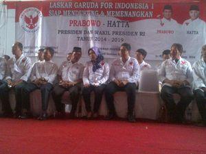 Diguyur Hujan Deras, Laskar Garuda Deklarasi Dukungan ke Prabowo-Hatta