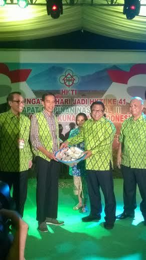 Jokowi: Bapak Saya dari Karanganyar, Ibu Saya Boyolali