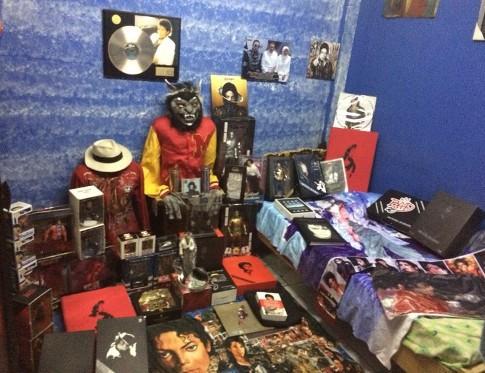 Koleksi Michael Jackson milik Fadly (Dok.pribadi)