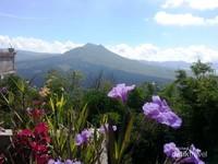 Pemandangan Gunung Batur menuju Desa Trunyan