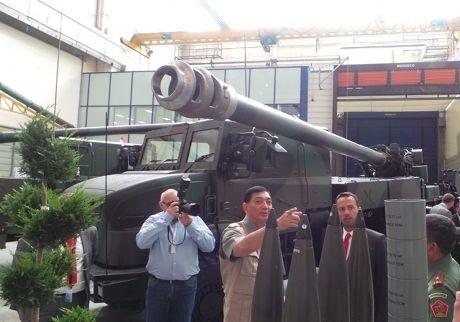 Ini Dia Amunisi Meriam Caesar 155 yang akan Diproduksi PT Pindad