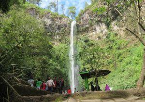 Digoda Air Terjun Janda di Malang