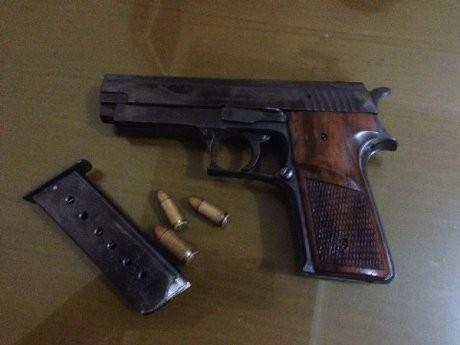 Polisi Bekuk Dua Pemilik Pistol Fn Dan Airgun Yang Dibeli Dari Oknum Tni