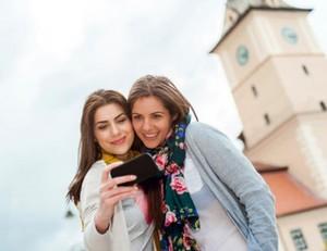 Sebentar Lagi, Anda Bisa Selfie Tanpa Sentuh Layar Ponsel