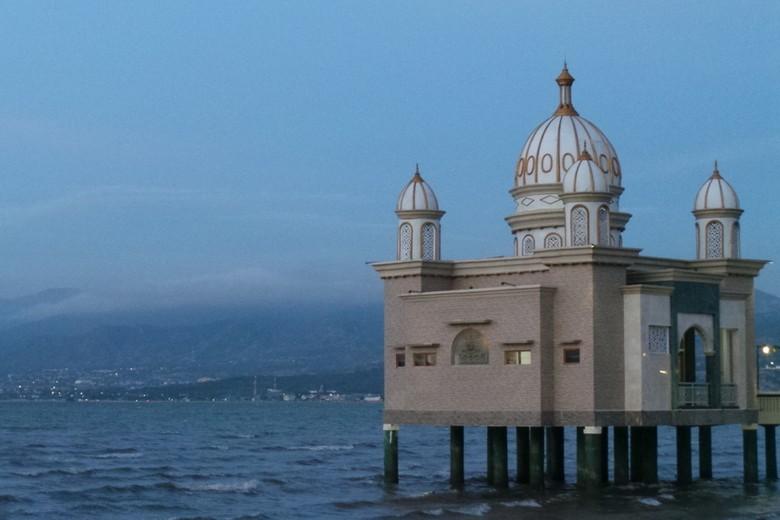 Masjid Arkam Babu Rahman, masjid terapung di Palu (Afif/detikTravel)