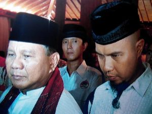 Ahmad Dhani Ajak Keluarganya Buka Puasa di Rumah Prabowo