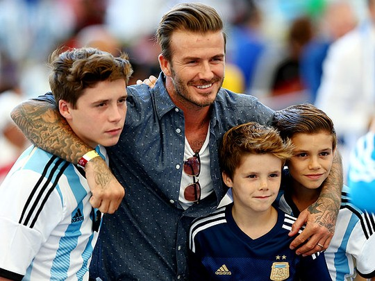 Hot Daddy! David Beckham dan 3 Putranya di Final Piala Dunia 2014