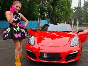 Artis Indonesia Keranjingan Porsche Boxster