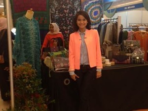 Acha Hingga Adipati Dolken Jualan di Bazaar Indonesia Moslem Fashion Week 2014