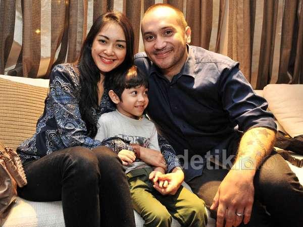 Keluarga Gary Iskak dan Richa Novisha