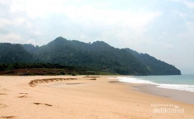 Pantai Lange, Keindahan Pantai Aceh Besar yang Tersembunyi
