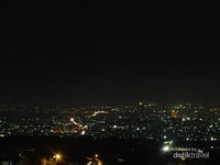 Bandung di waktu malam