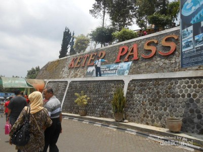 Magelang Tak Cuma Borobudur, Ada Ketep Pass & Wisata Petik Stroberi
