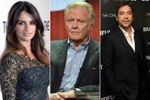 Dukung Perdamaian Gaza, Penelope Cruz Diserang Ayah Angelina Jolie