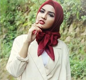 Hijab Hunt 2014: Bunga Andhika, Si Cantik yang Sering Jadi Model Dian Pelangi