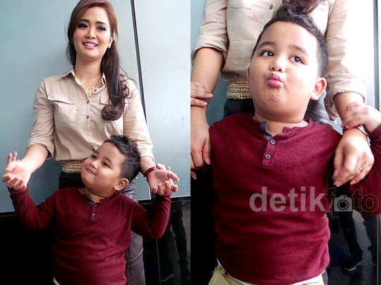 Like Mother Like Son, Vega Darwanti dan Raska