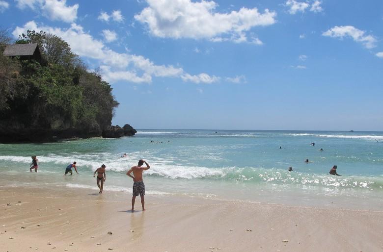 Pantai Padang-padang di Pecatu (Afif/detikTravel)