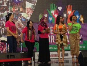 Selebriti Indonesia Gelar Garage Sale untuk Amal di Kemang Village
