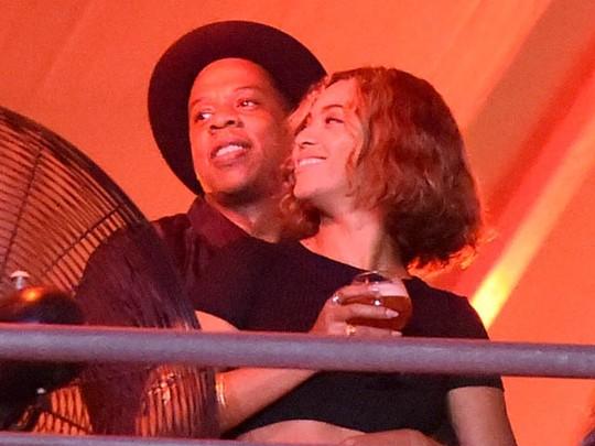 Beyonce dan Jay Z Dimabuk Asmara di MIA 2014