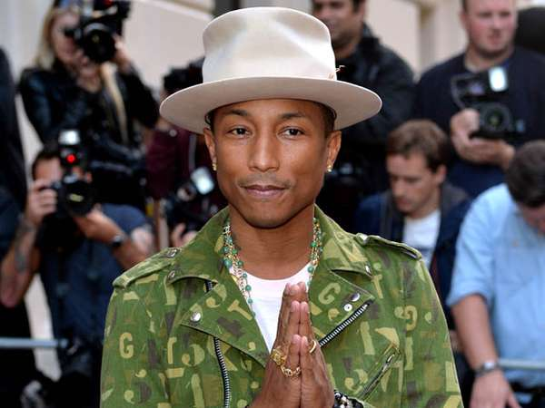 Pharrell Williams Happy Raih Solo Artist of The Year