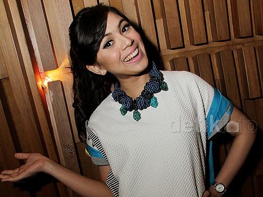 Senyum Ceria Nycta Gina