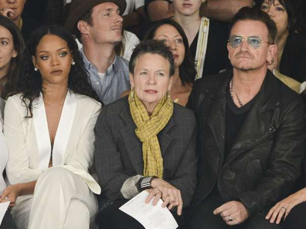 Rihanna dan Bono U2 di New York Fashion Week