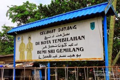 Libur Akhir Pekan, Belanja ke Pasar Jongkok Tembilahan, Riau