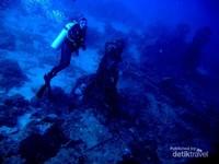 Dive site Wreck yaitu sisa pesawat pembom B29 WWII