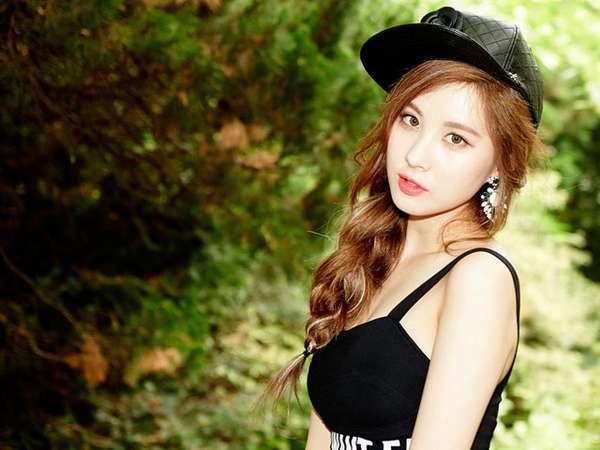 Seohyun Tampak Seksi dan Dewasa untuk Comeback TaeTiSeo