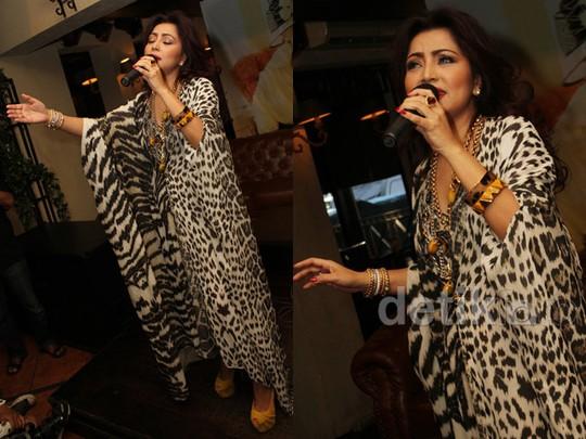 Kaftan Leopard, Ular dan Zebra Mayangsari, Love It or Leave It?