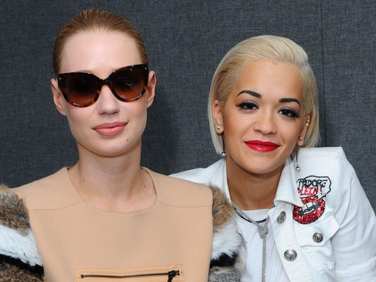 Rita Ora dan Iggy Azalea Seru-seruan di Kiss Fm