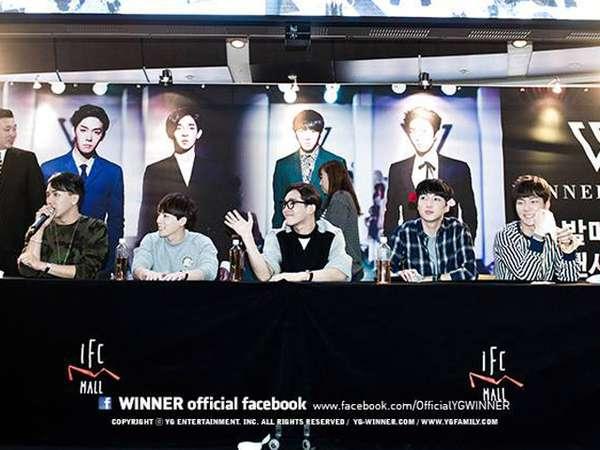 Senyum Ramah WINNER di Acara Fan-Signing di Seoul