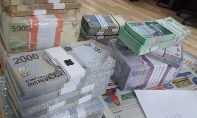 Likuiditas Ketat, Bank Berlomba Tawarkan Bunga Deposito Tinggi