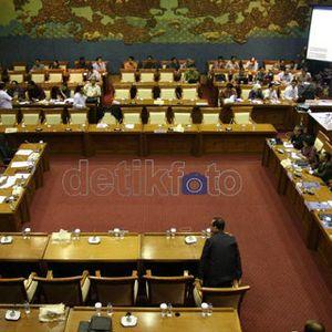 Hari Libur, DPR dan Pemerintah Bakal Gelar Rapat APBN 2015