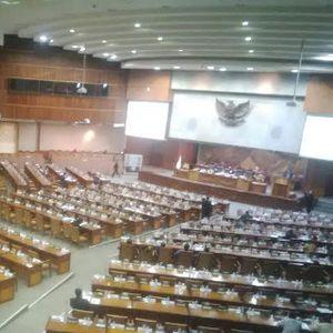 Pesan DPR ke Jokowi Soal APBN, Setoran ke IMF Sampai Sikat Mafia Pajak