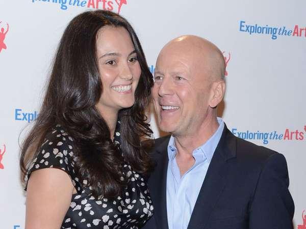 Kemesraan Bruce Willis dan Istri Tercinta